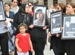 Gözaltında meydana gelen ölümler protesto edildi.